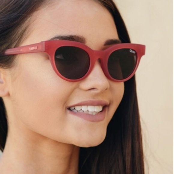 94938bc909 NIB Quay Star Struck Sunglasses 😎